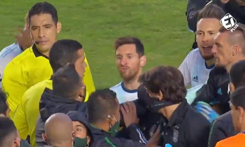 Discussão entre Messi e preparador da Bolívia (