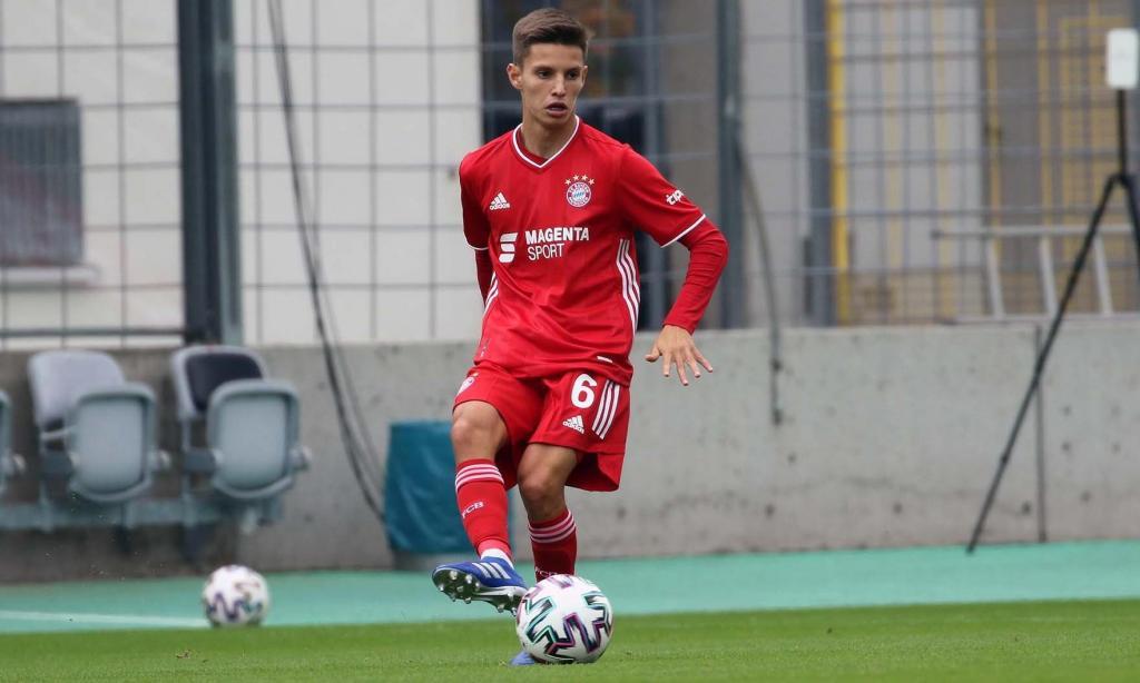 Tiago Dantas na estreia (foto: twitter Bayern)