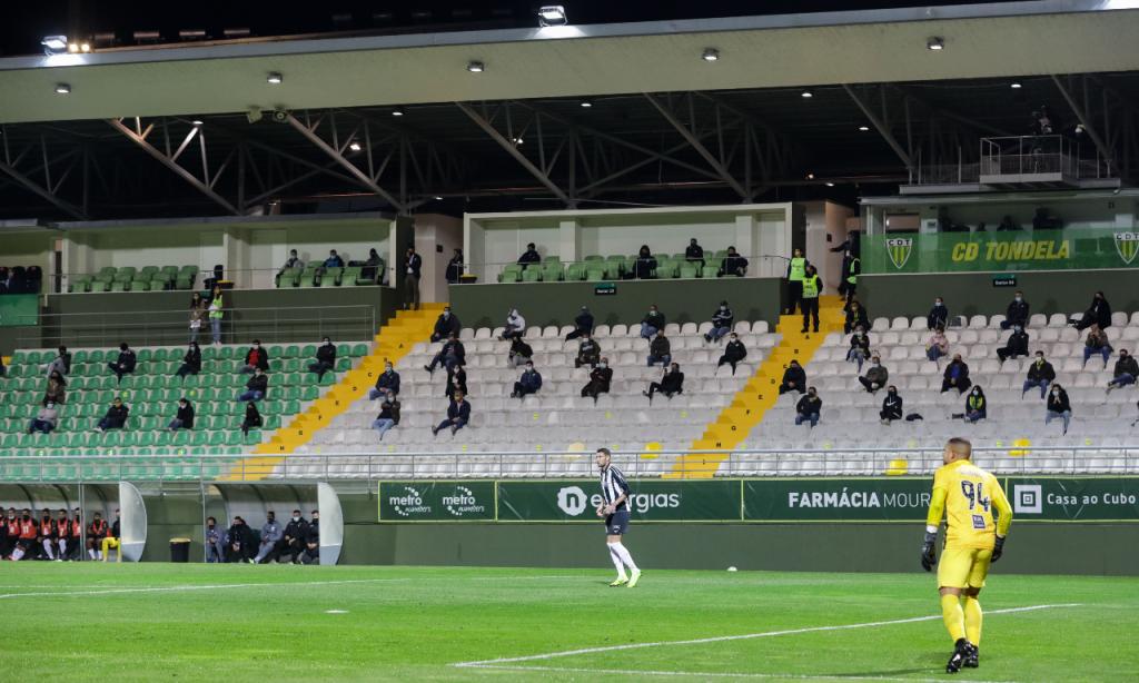 16. Estádio João Cardoso (Tondela), média de 3.47 estrelas