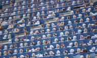 Heerenveen encheu bancadas com milhares de peluches para ajudar crianças com cancro