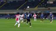 Imprudência de Gosens vale penálti eTadic dá vantagem ao Ajax