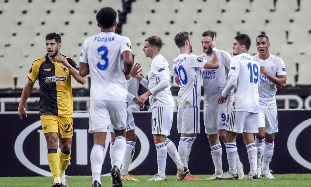 Leicester bateu AEK