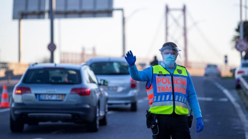 PSP faz operação Stop na Ponte 25 de Abril