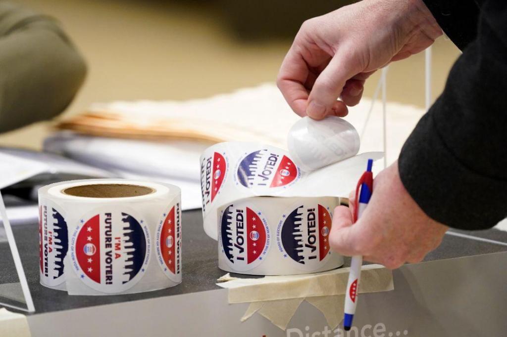 Norte-americanos já votam no próximo presidente