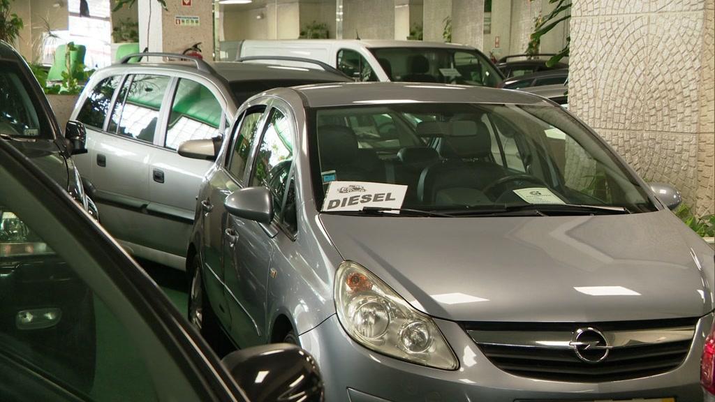 Venda de automóveis caiu 36% este ano