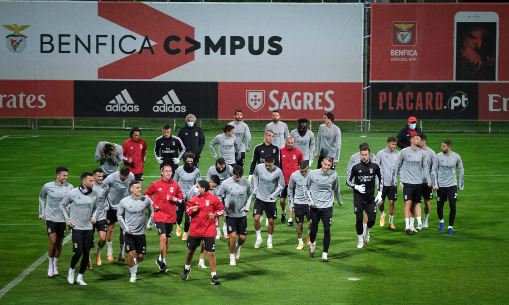 Treino do Benfica na véspera da receção ao Rangers, já com Grimaldo e Todibo (Rui Minderico/LUSA)
