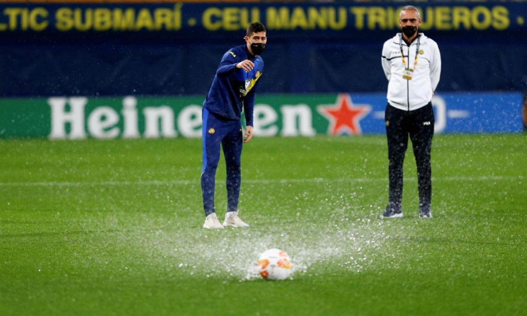 «Dilúvio» atrasa Villarreal-Maccabi (EPA)