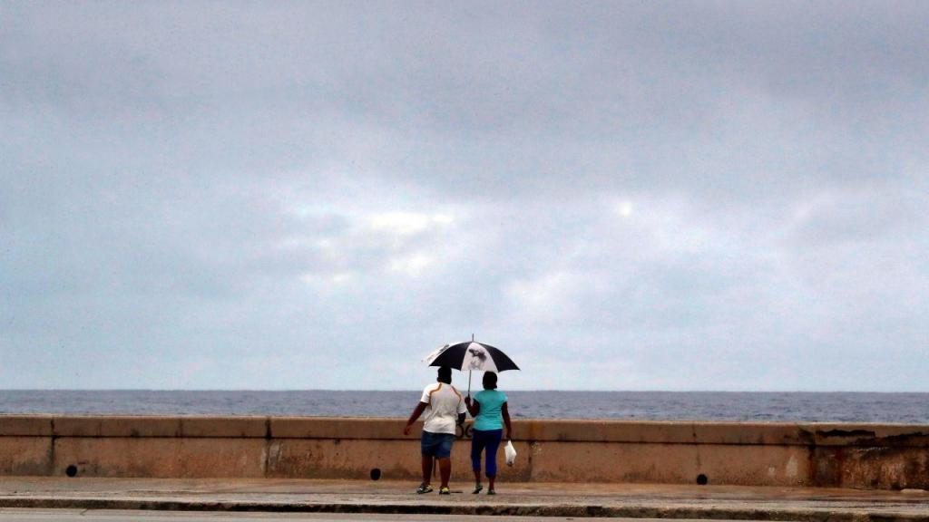 Tempestade tropical provoca inundações na Florida