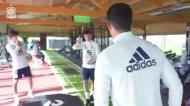 Sportinguista Porro joga teqball na seleção e não se safa nada mal