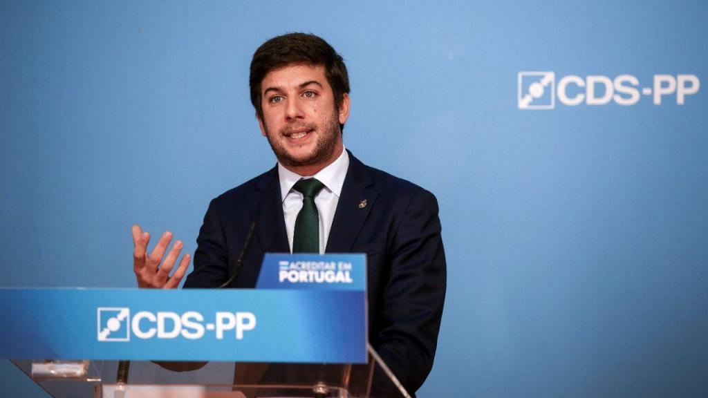 CDS-PP: apresentação de medidas na área da economia