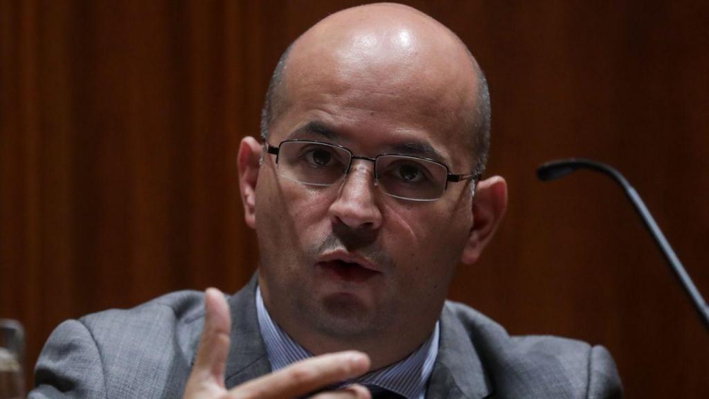 João Leão na Comissão de Orçamento e Finanças