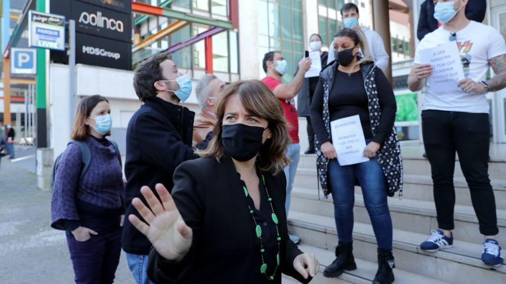 BE: Catarina Martins associa-se a manifestação de seguranças privados no Porto