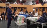 Balneário repleto de pizza após a vitória de França no Estádio da Luz (FFF)