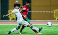 Sub-21, qualificação: Portugal-Chipre. Rafael Leão remata perante a pressão de Marios Peratikos(Luís Forra/LUSA)