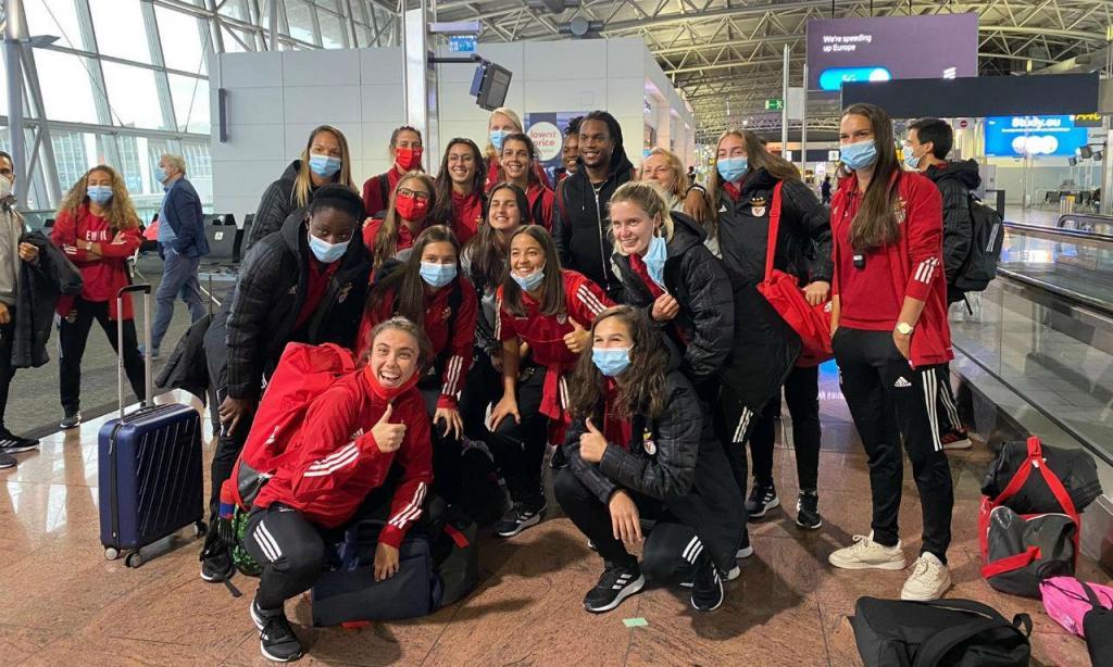 Renato Sanches cruzou-se com a equipa feminina do Benfica no aeroporto