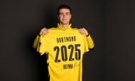 GIOVANNI REINA (18 anos), filho do antigo internacional norte-americano, exibe classe no meio-campo do Dortmund