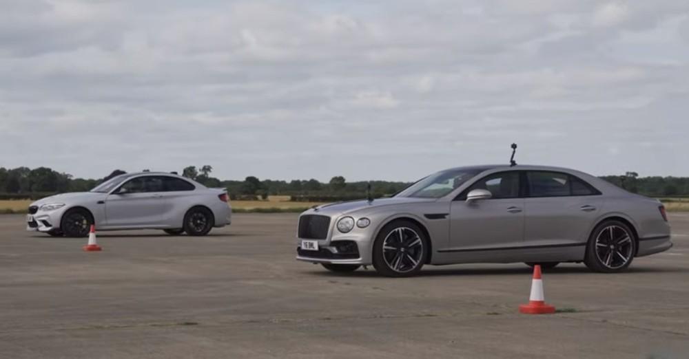 Bentley Flying Spur Vs BMW M2 CS (Reprodução Youtube Carwow)
