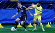 Villarreal-Real Madrid: lance entre Mario Gaspar e Toni Kroos (Domenech Castelló/EPA)