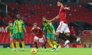 Penálti de Bruno Fernandes decide Manchester United-West Bromwich (AP)