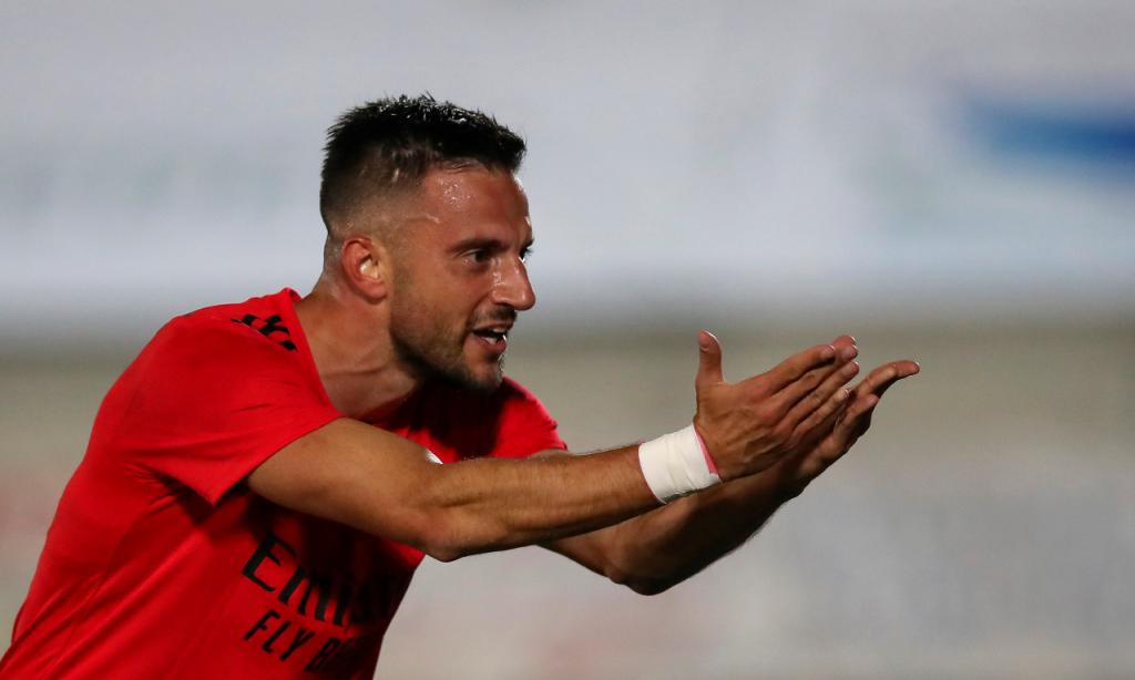 Taça: Paredes-Benfica. Samaris festeja o golo que abriu o marcador (Lusa)