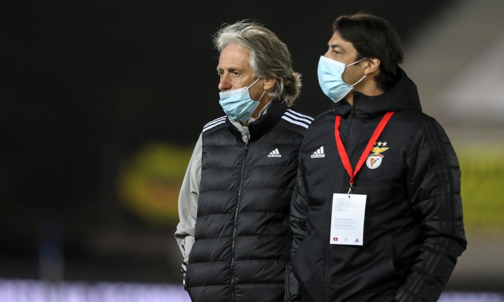 Taça: Paredes-Benfica. Jorge Jesus e Rui Costa (Lusa)