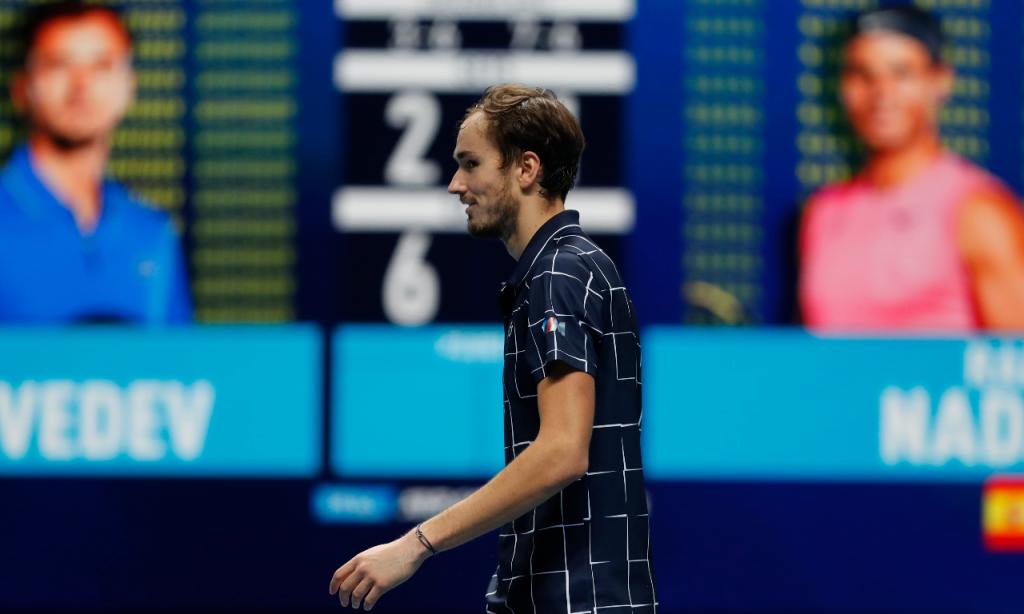 Daniil Medvedev vence Rafael Nadal rumo à final das ATP Finals (AP)