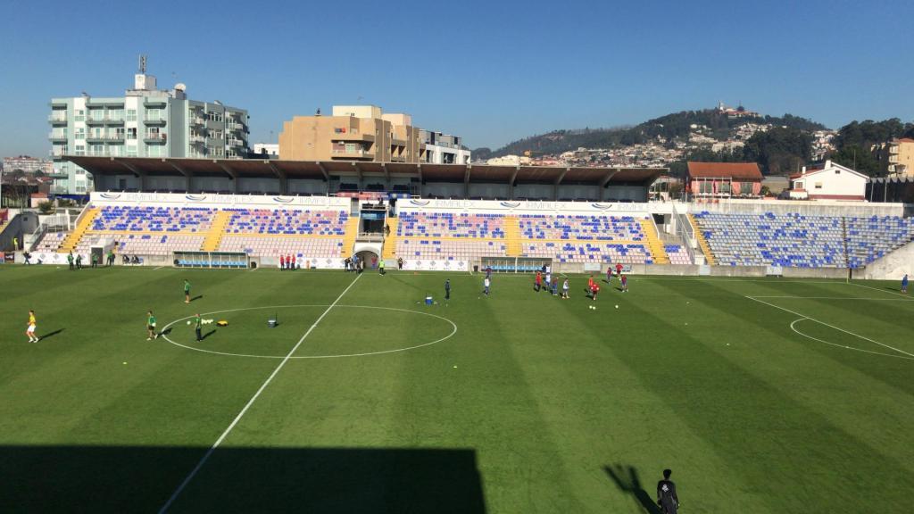 Estádio do Felgueiras (Municipal Dr. Machado de Matos)