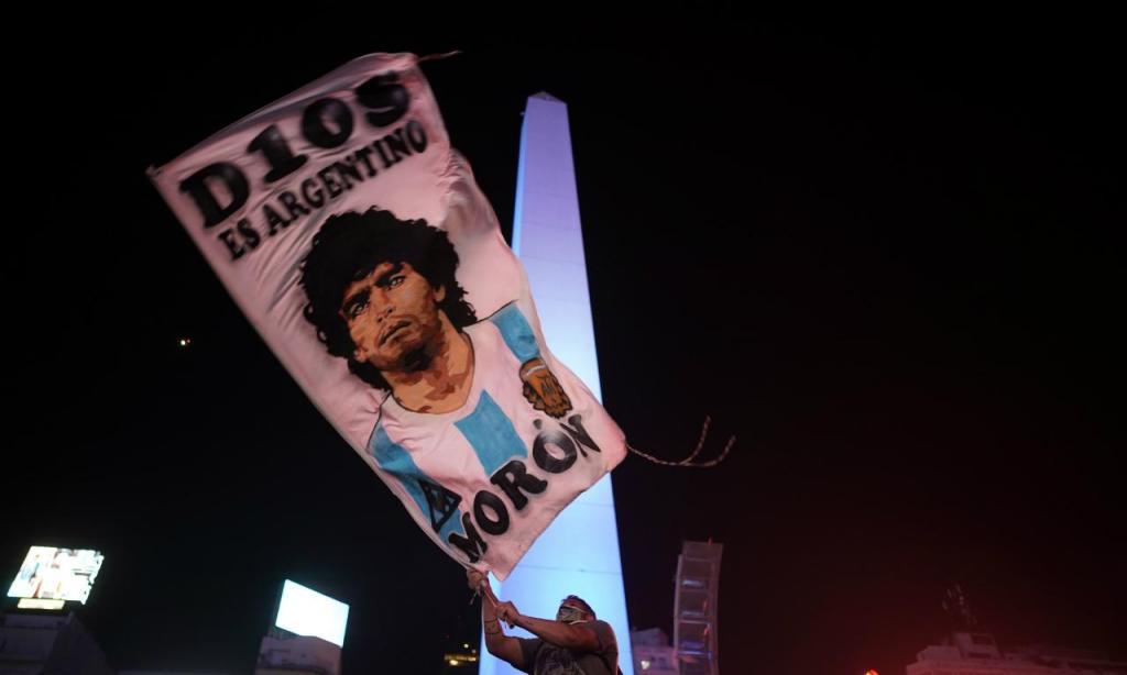 Argentina chora a morte de Maradona