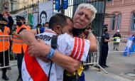 Momentos do futebol internacional 2020: uma das imagens do ano no funeral de Maradona