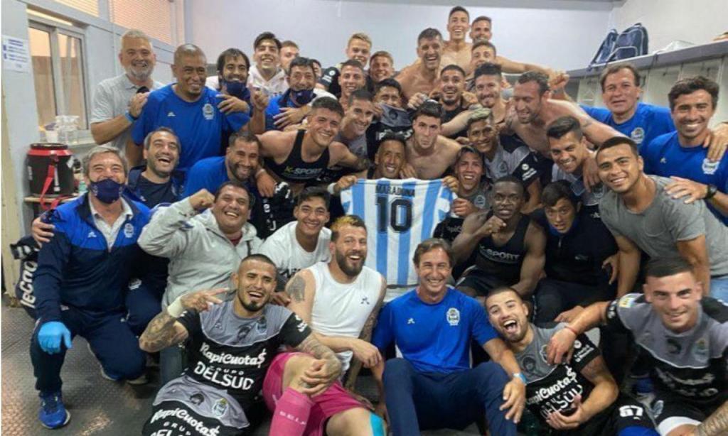 Gimnasia dedica vitória a Maradona (twitter)