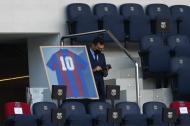 Homenagem a Maradona durante o Barcelona-Osasuna (foto AP)