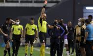 Santos-Quito: uma das três expulsões do árbitro Néstor Pitana (Amanda Perobelli/AP)