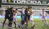 Santos-Quito: expulsões, confusão e Lucas Veríssimo à mistura (Amanda Perobelli/AP)