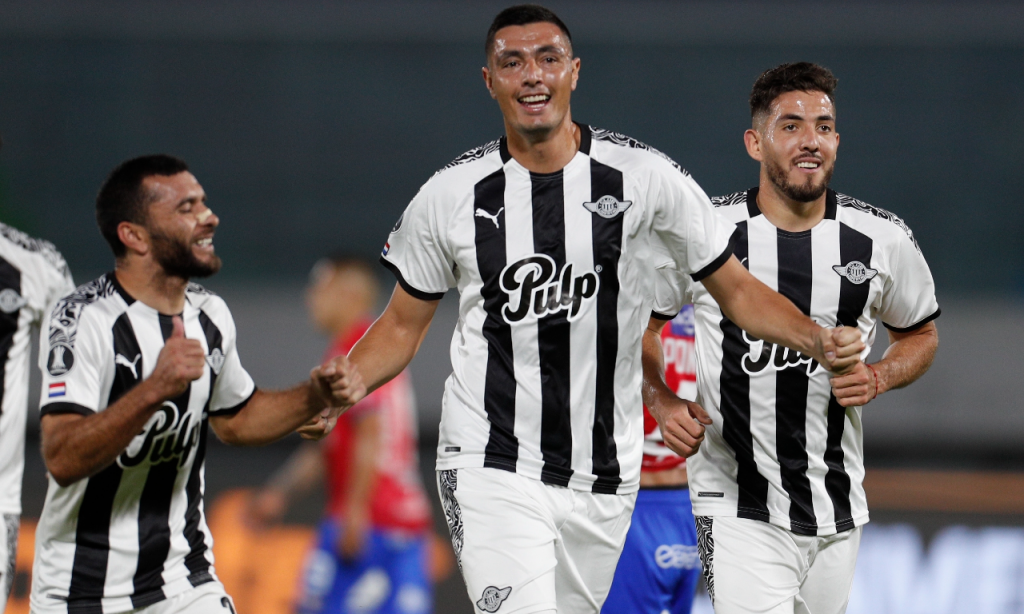 Libertadores (1/8 Final): Wilstermann-Libertad. Bis de Óscar Cardozo dá apuramento aos paraguaios (Juan Karita/AP)