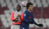 Salzburgo-Atlético Madrid: lance entre João Félix e Patson Daka (Christian Bruna/EPA)
