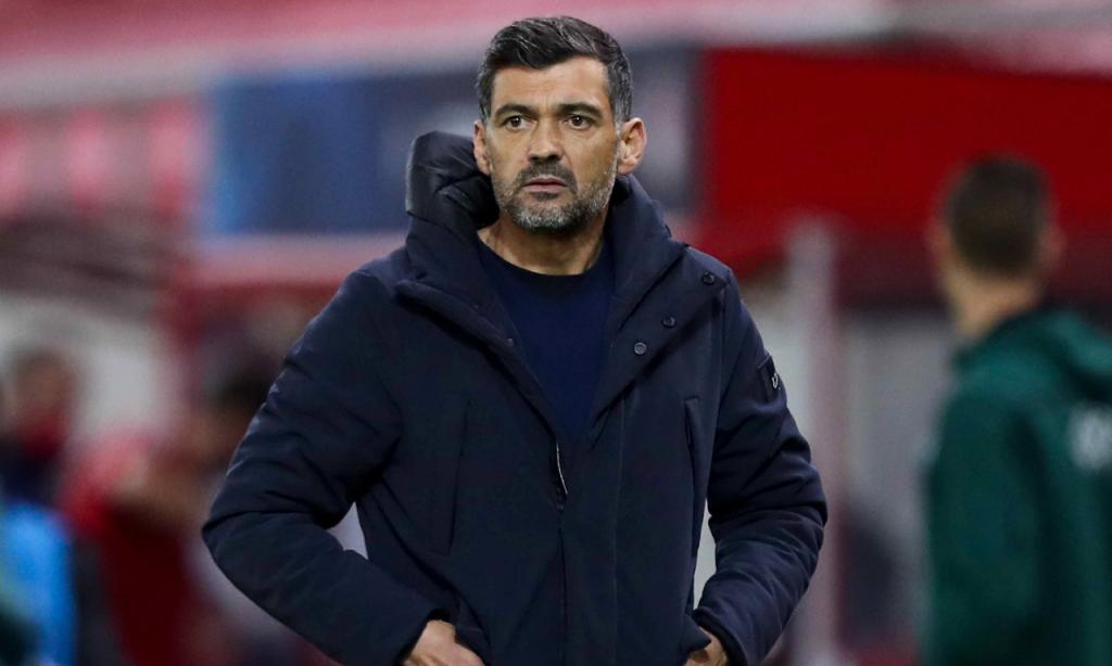 Sérgio Conceição no Olympiakos-FC Porto (EPA)
