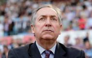 Gerard Houllier | Antigo treinador francês, orientou o PSG e a seleção gaulesa, mas foi no Liverpool que o seu trabalho teve mais sucesso ao vencer cinco troféus. Morreu a 14 de dezembro com 73 anos.