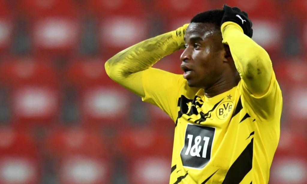 Youssoufa Moukoko tornou-se o mais jovem a marcar na Bundesliga, com 16 anos e 28 dias, no Union Berlim-Borussia Dortmund (Annegret Hilse/EPA)