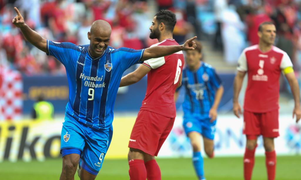 Bis de Júnior Negão dá Liga dos Campeões asiática ao Ulsan. Triunfo por 2-1 ante o Persepolis (Hussein Sayed/AP)