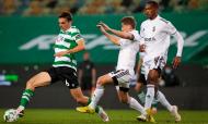 Sporting-Farense: lance de João Palhinha com Ryan Gauld (José Sena Goulão/LUSA)