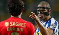 FC Porto-Benfica: Pepe e Darwin (LUSA)