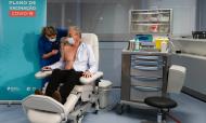 António Sarmento recebe primeira vacina contra a covid-19 em Portugal (José Coelho/LUSA)