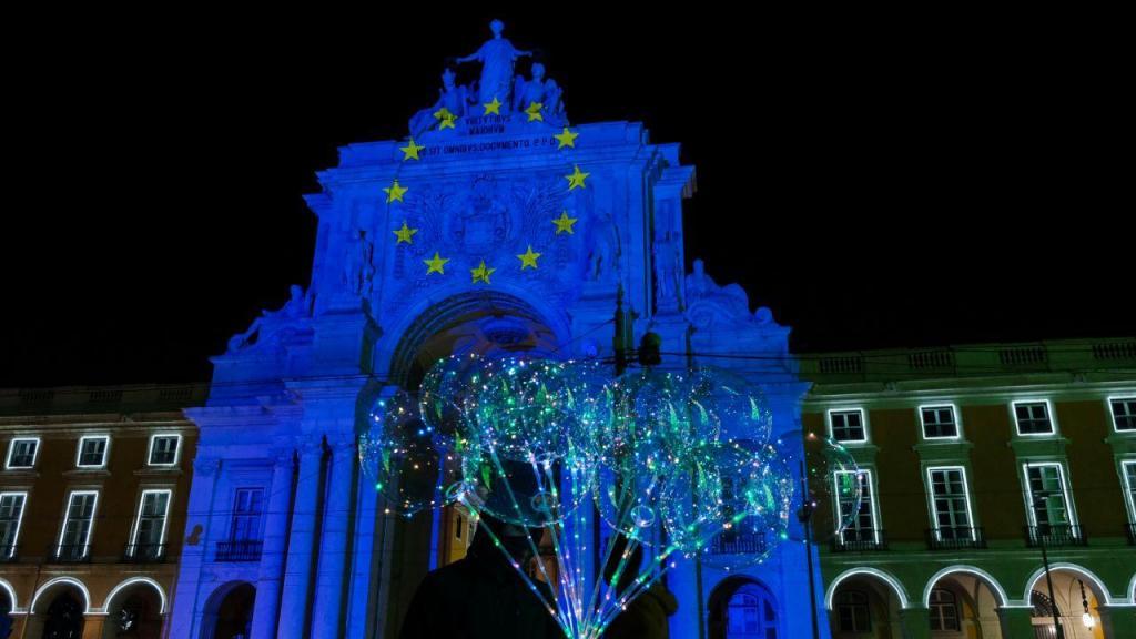 Lisboa 'vestiu-se' com as cores da União Europeia