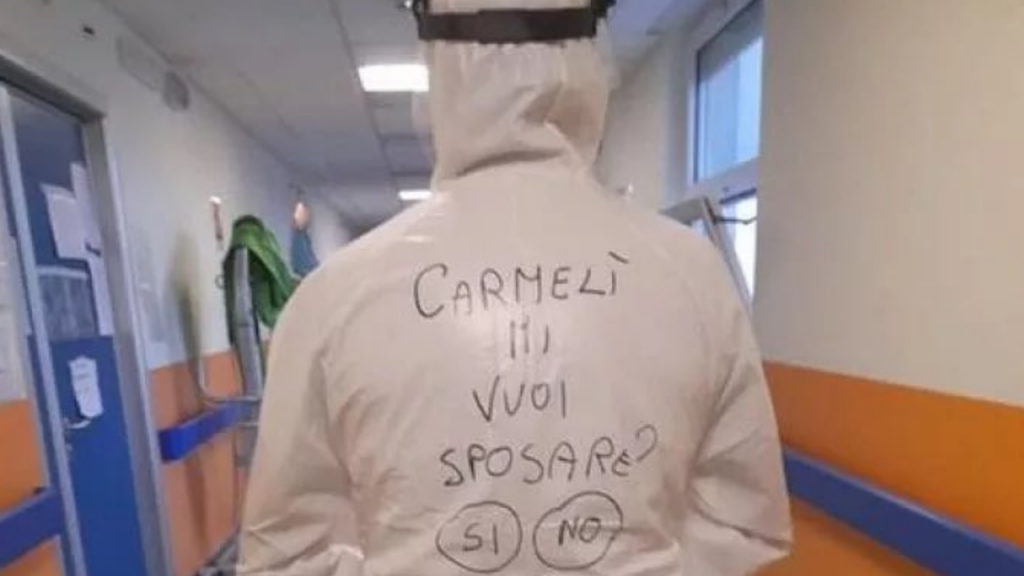 Enfermeiro italiano faz pedido de casamento original