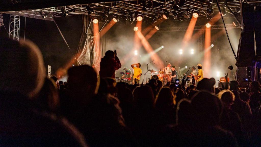 Milhares celebram passagem de ano em festival na Nova Zelândia