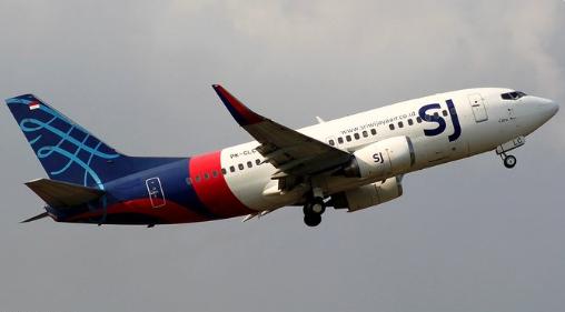 Avião desaparece na Indonésia