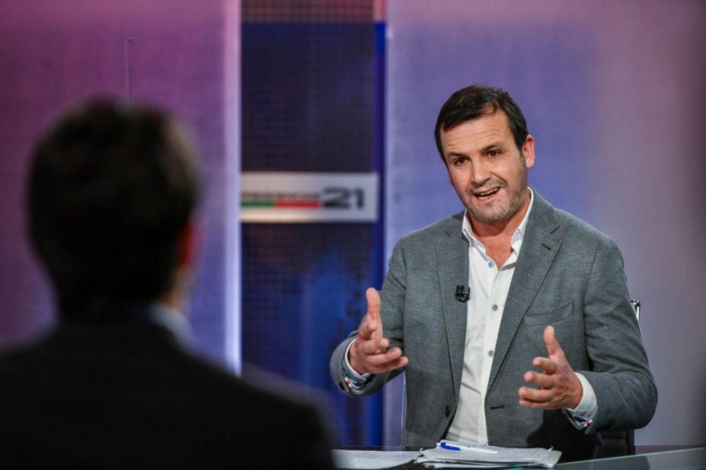 O debate entre João Ferreira e Vitorino Silva em imagens