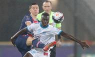 Supertaça de França: Pape Gueye e Ander Herrera em duelo no PSG-Marselha (Christophe Ena/AP)