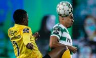 Duelo entre João Mário e Gelson Dala no Sporting-Rio Ave (António Cotrim/LUSA)