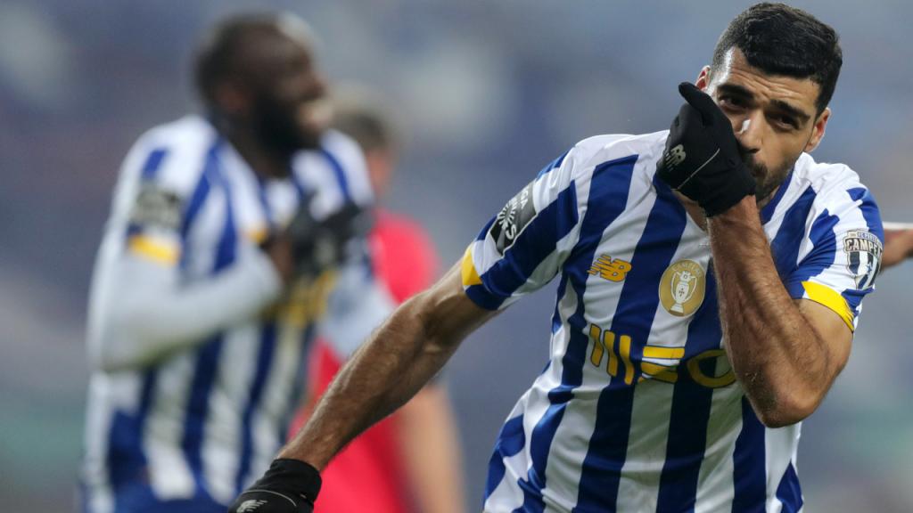 Mehdi Taremi festeja o 1-1 no FC Porto-Benfica (Estela Silva/LUSA)